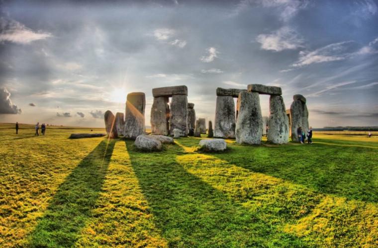 un-monument-din-neolitic-a-fost-descoperit-in-apropiere-de-stonehenge