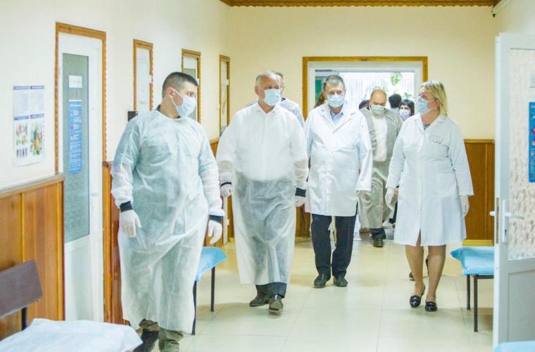 Salariile angajaților din sistemul medical urmează să crească