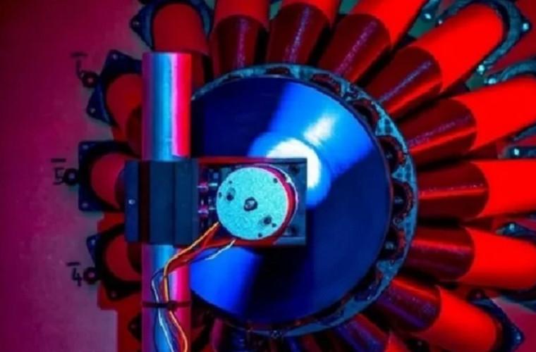 Un experiment a confirmat posibilitatea de a obține energie dintr-o gaură neagră