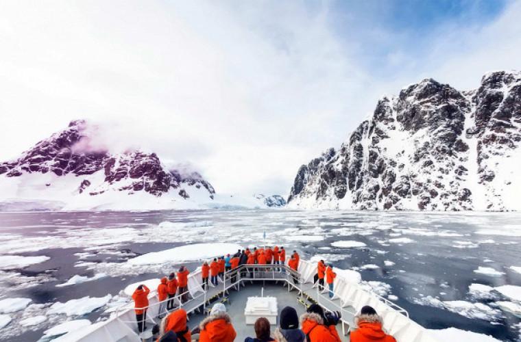 Polul Sud se încălzește de trei ori mai repede decît restul Pămîntului