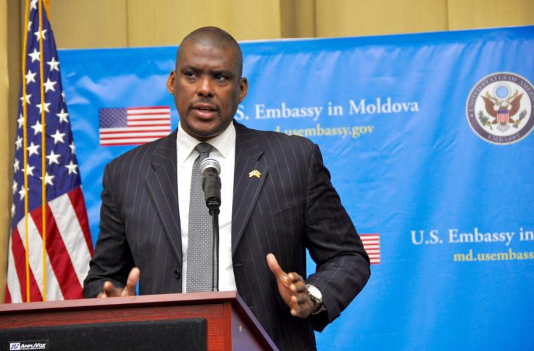 ambasadorul-sua-despre-traseismul-din-parlament-procuratura-trebuie-sa-investigheze