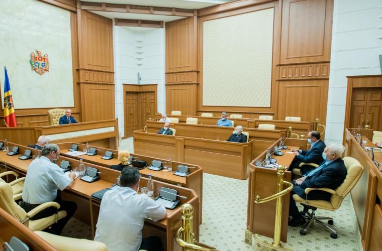 igor-dodon-a-discutat-problemele-sociale-cu-membrii-consiliului-societatii-civile