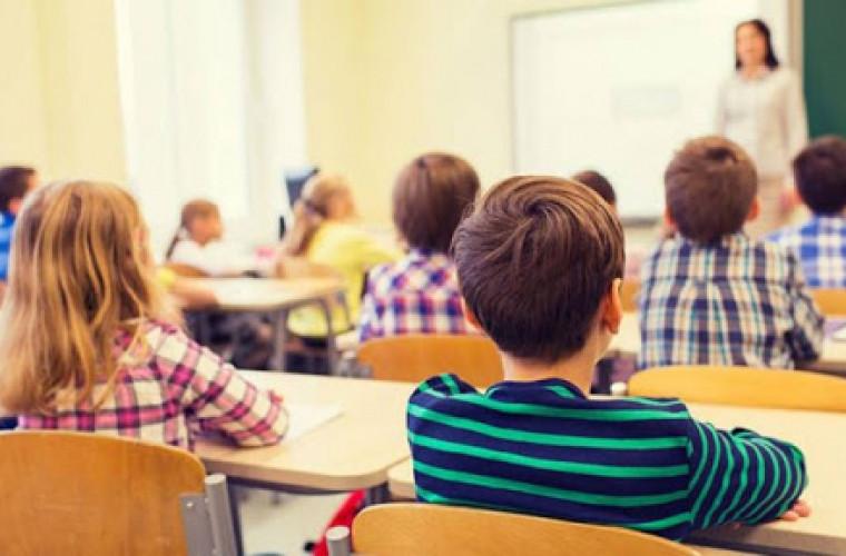 Continuă înscrierea copiilor de 7 ani la școală, pentru etapa a II-a