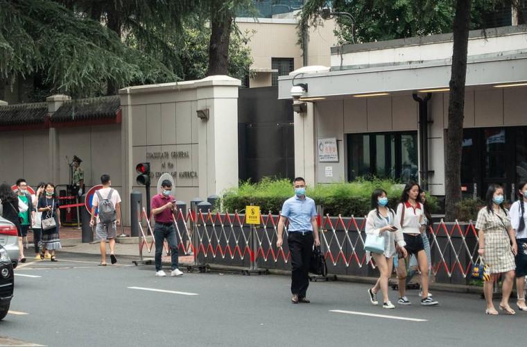 China ordonă închiderea consulatului SUA din Chengdu