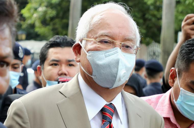 malaezia-ex-premierul-najib-razak-condamnat-la-12-ani-de-inchisoare