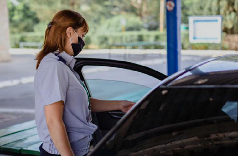 Doi moldoveni prinși la vamă cu acte falsificate