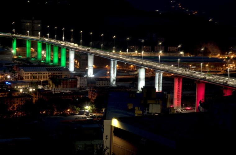 la-doi-ani-de-la-prabusire-italienii-inaugureaza-podul-genova-san-giorgio