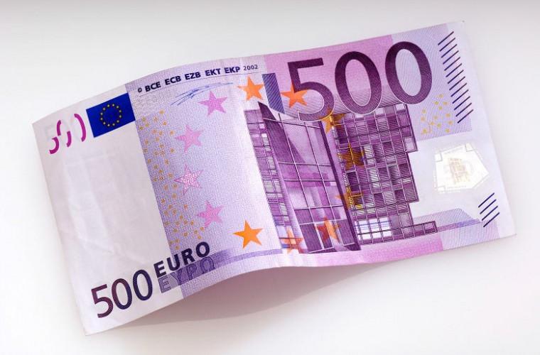 Bonusuri de 500 de euro pentru cei care au asigurat îngrijiri la domiciliu, anunță Macron