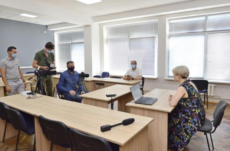"""Primăria a lansat cea de-a doua etapă a proiectului """"Educație online"""""""