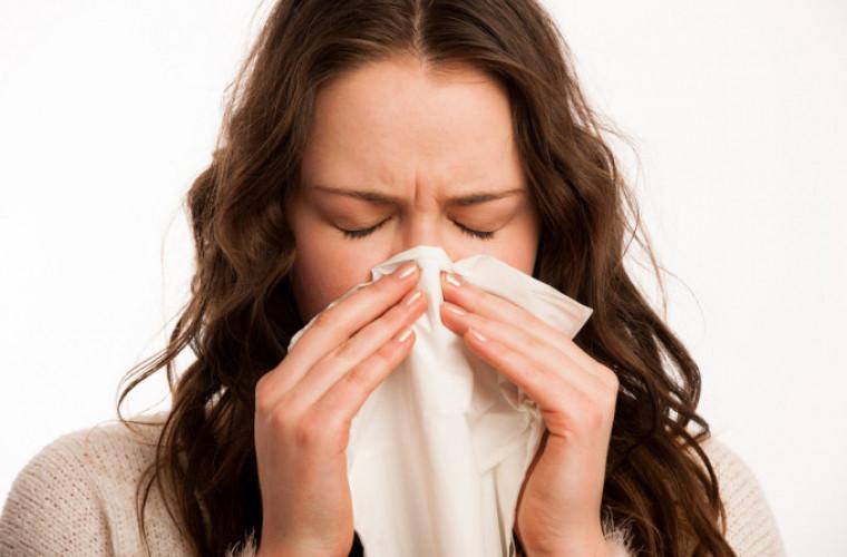 cum-sa-facem-diferenta-dintre-simptomele-alergiei-si-infectiei-covid