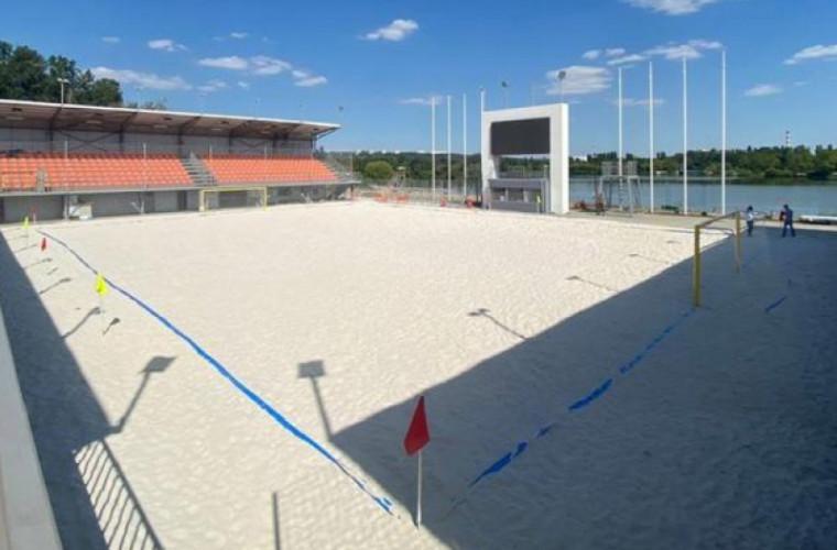 """Cînd va fi dat în exploatare stadionul de fotbal pe plajă din parcul ,,La Izvor"""""""