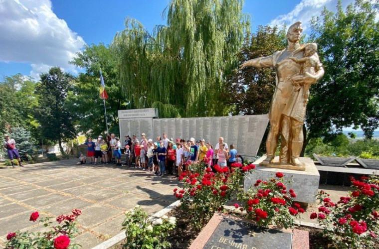 Excursie de amploare cu copiii la locurile gloriei militare din Moldova (FOTO)