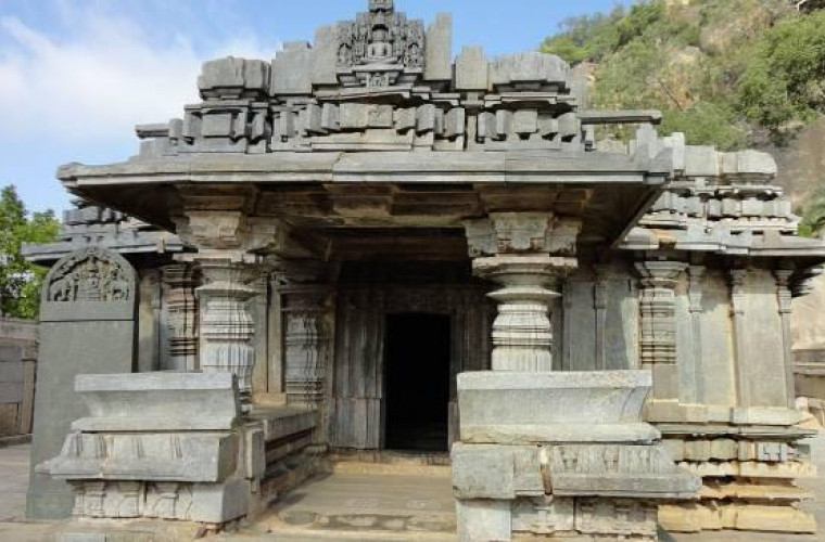 Tehnologii avansate în antichitate: Complexul Shravanabelagola