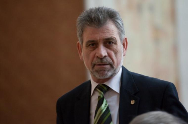 Candidatul PLDM, Tudor Deliu, a depus actele la CEC