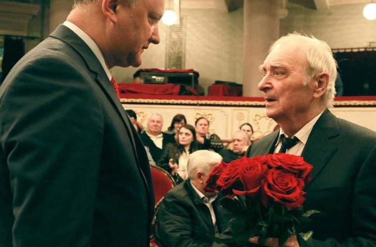 Dodon, de ziua marelui scriitor Ion Druță: Vă respect pentru cuvîntul scris cu inima, pentru lecțiile de patriotism