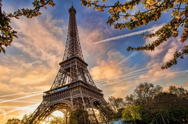Franţa alocă 100 de miliarde de euro pentru a-şi relansa economia