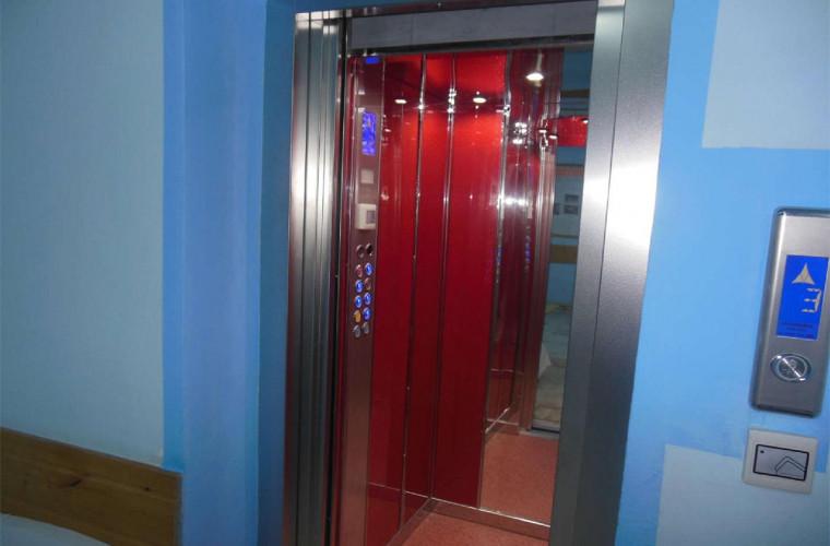 MEI va elabora un Program de modernizare a parcului de lifturi din țară