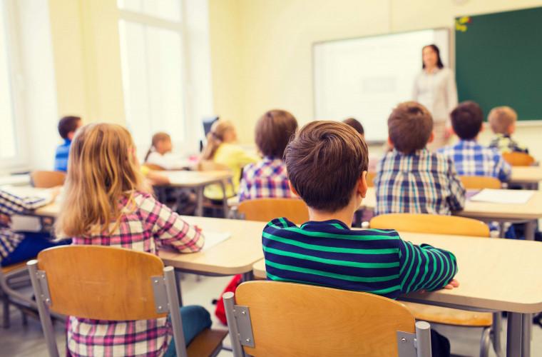 dodon-v-2021-godu-zarplaty-pedagogov-budut-uvelicheny-vdvoe