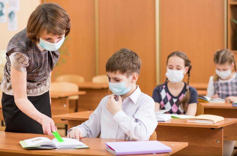 De ce în Moldova sînt atît de mulți copii infectați cu COVID-19