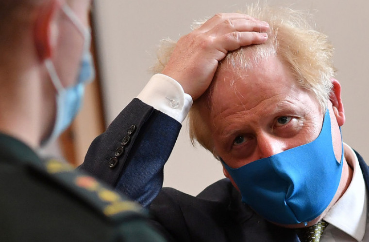 boris-johnson-anunta-noi-restrictii-anti-covid-care-vor-dura-pina-la-6-luni