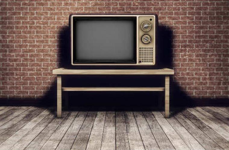 un-barbat-a-oprit-internetul-in-tot-satul-timp-de-18-luni-cu-un-televizor-vechi