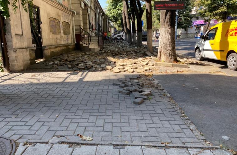 Amenajarea trotuarelor de pe străzile Bodoni și Puşkin ar mai putea dura