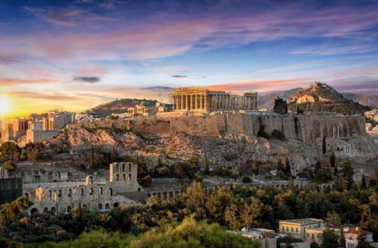 grecia-se-pregateste-sa-transfere-pe-continent-3000-de-migranti-de-pe-insula-lesbos